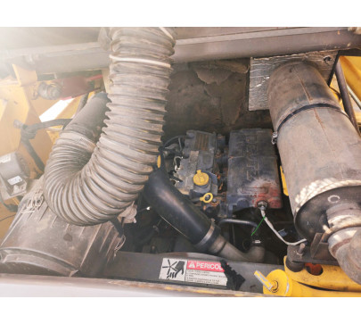 Мини челен товарач 2200 кг Gehl 4635  image 12
