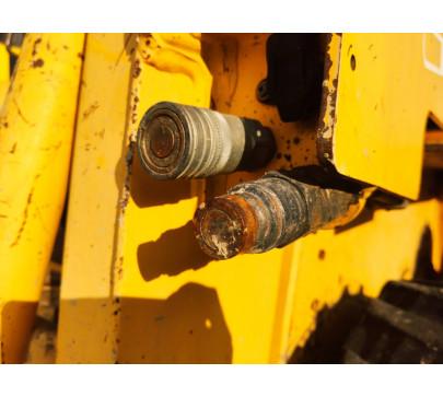 Мини челен товарач 2200 кг Gehl 4635  image 10