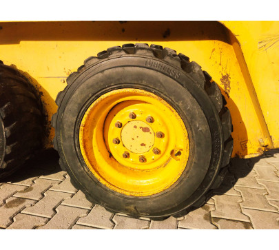 Мини челен товарач 2200 кг Gehl 4635  image 8