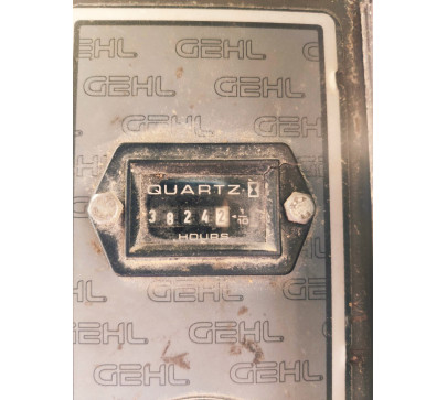 Мини челен товарач 2200 кг Gehl 4635  image 14