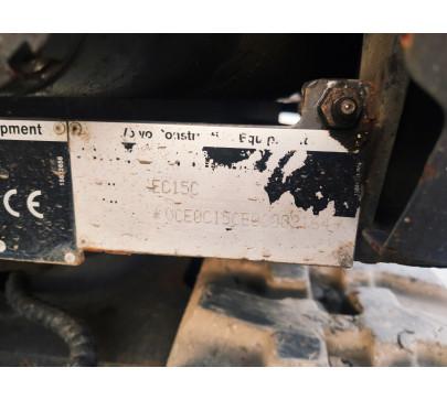 Мини багер Volvo EC15C / 2348 реални мото часа  image 14