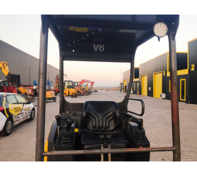 Мини багер Volvo EC15C / 2348 реални мото часа  image 5