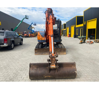 Мини багер 7500 кг Hitachi EX75UR image 4