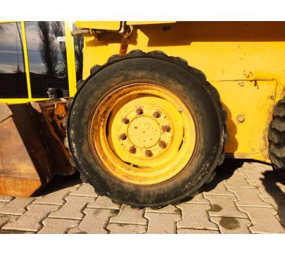 Мини челен товарач 2200 кг Gehl 4635  image 9